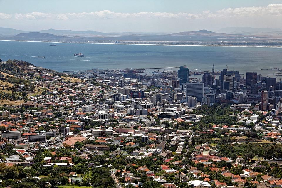 Kapkaupunki on noin 3,5 miljoonan asukkaan kaupunki.