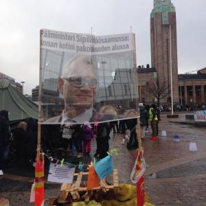 Oikeus elää -mielenosoitus Rautatientorilla