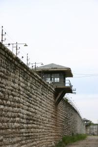 Radikalisoitumista tapahtuu myös vankiloissa, sillä Daeshin väkivaltainen ideologia vetoaa rikollisiiin, jotka etsivät epätoivoisesti oikeutusta teoilleen. Kuva: Allison Groves/Flickr